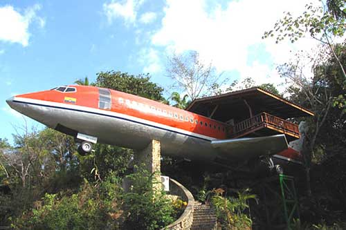 Seven Amazing Airplane Buildings Recyclenation