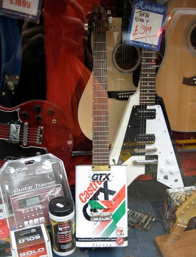 Ten Guitars Made From Recycled Objects Recyclenation