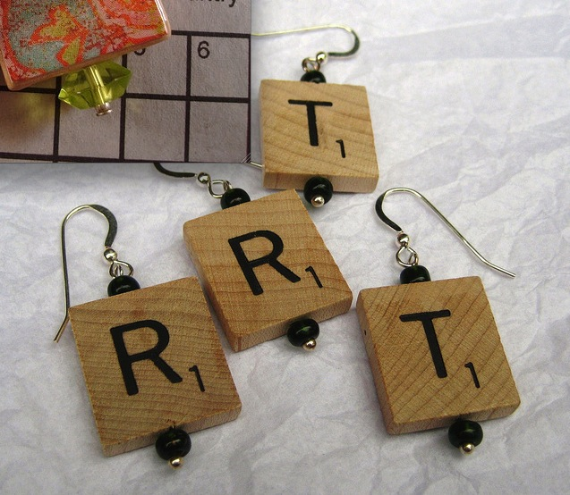 Scrabble earring2 Ten Creative Ways to Recycle Scrabble Tiles