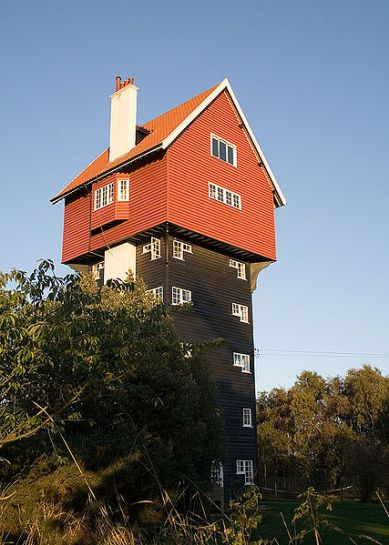 House in the Clouds2 Seven Water Towers Transformed into Houses