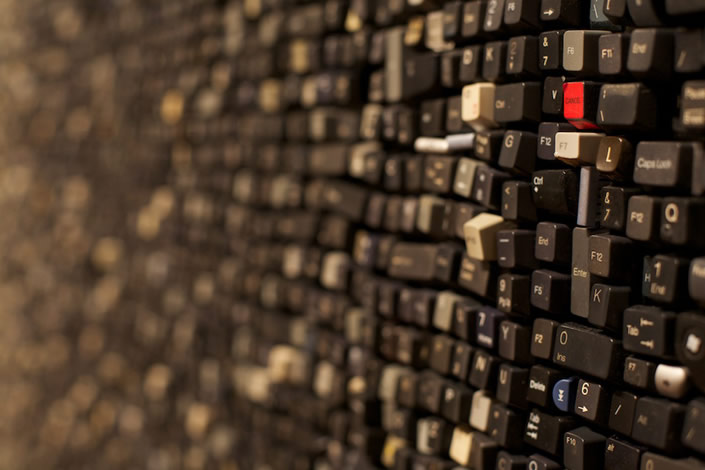 10 debris close up Giant Walls Made from Thousands of Old Keyboard Keys