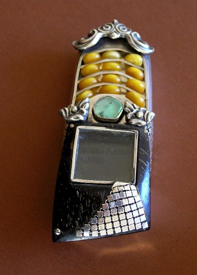 10 vampmob3 Ten Incredible Steampunk Cell Phones