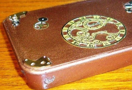 3 iphone detail Ten Incredible Steampunk Cell Phones