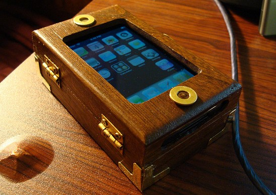 4 iphone Ten Incredible Steampunk Cell Phones