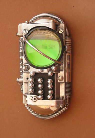 6 ozone 2 Ten Incredible Steampunk Cell Phones