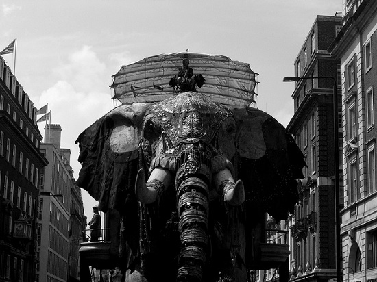 E01 The 45 Ton Mechanical Elephant That Thundered Through the Streets of London