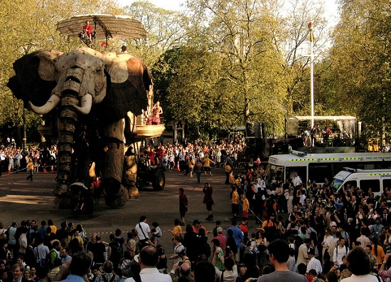 E03 The 45 Ton Mechanical Elephant That Thundered Through the Streets of London