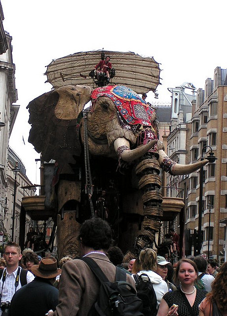 E06 The 45 Ton Mechanical Elephant That Thundered Through the Streets of London