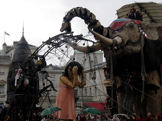 E09 The 45 Ton Mechanical Elephant That Thundered Through the Streets of London