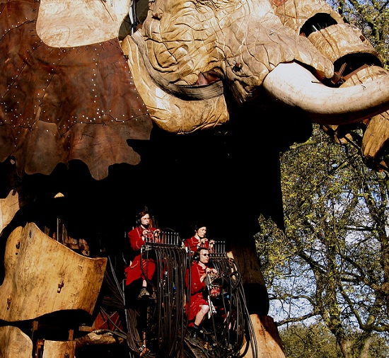 E12 The 45 Ton Mechanical Elephant That Thundered Through the Streets of London