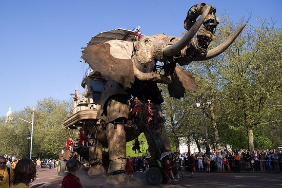 E14 The 45 Ton Mechanical Elephant That Thundered Through the Streets of London