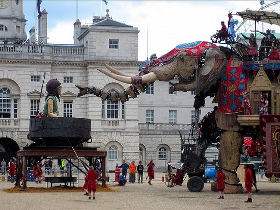 E16 The 45 Ton Mechanical Elephant That Thundered Through the Streets of London