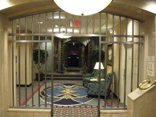 Ten incredible repurposed bank vaults recyclenation for Vault rooms