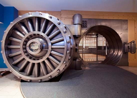 Ten incredible repurposed bank vaults recyclenation for Walk in safe for sale