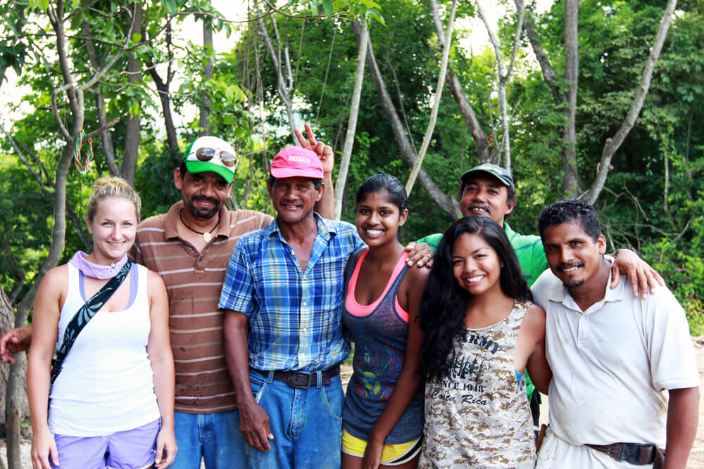 Costa Rica recycling - groupshot