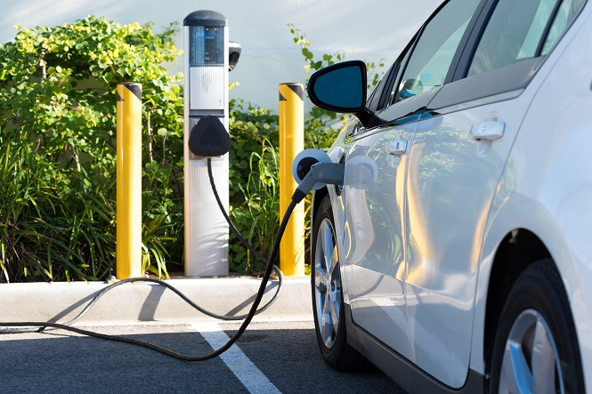 Depending Upon Where You Live Electric Cars Might Be Sharing The Roadway With Traditional Gas Guzzling Automobiles Know An Car When See